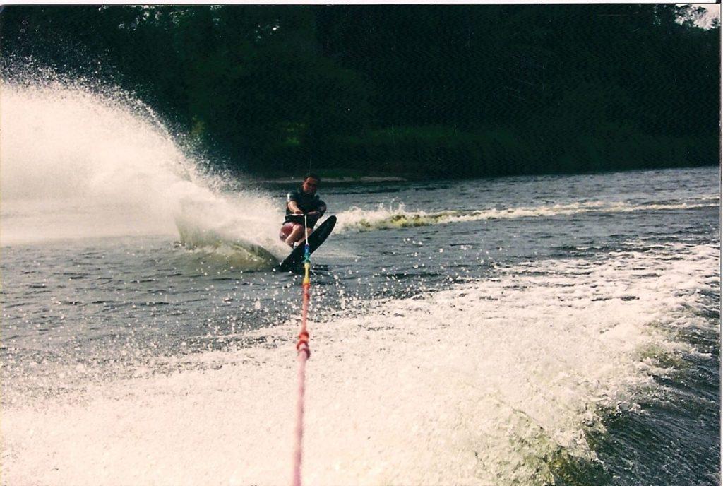 Tom waterskiing
